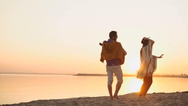 lidé oslava pláž strany letní dovolená dovolená koncept
