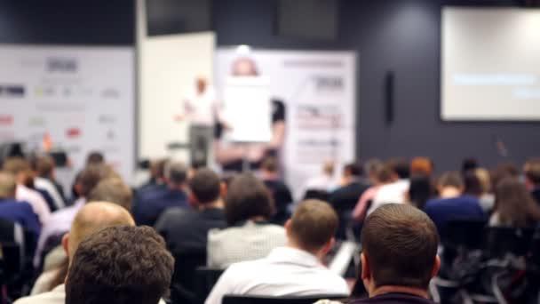 Obchodní lidé seminář konference setkání úřadu koncepce školení