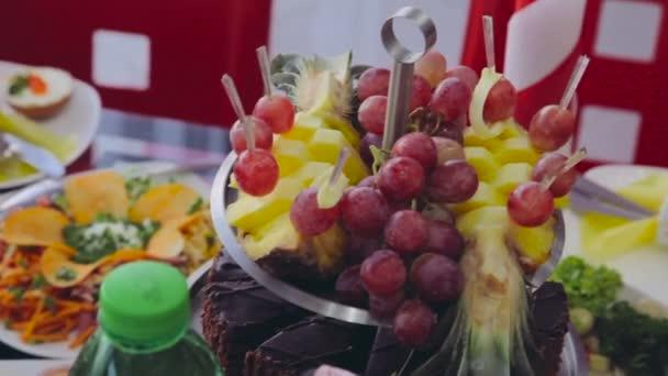 Früchte für Cocktailparty. Verpflegung