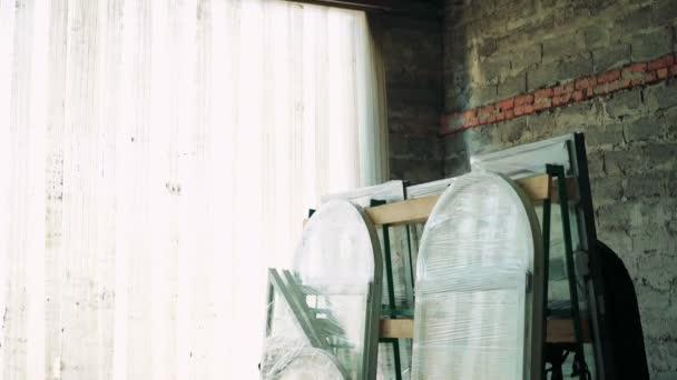 Blok balených plastových oken v továrně okno 4k