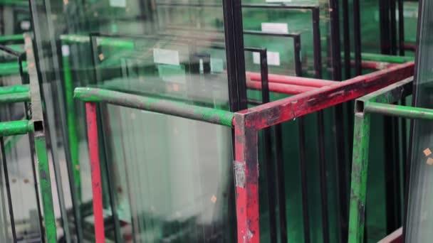 Detail okenní sklo v okně továrně 4k