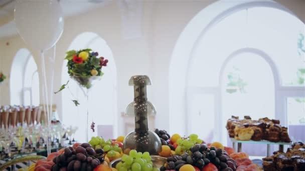 Sliced fruits arrangement, juicy food