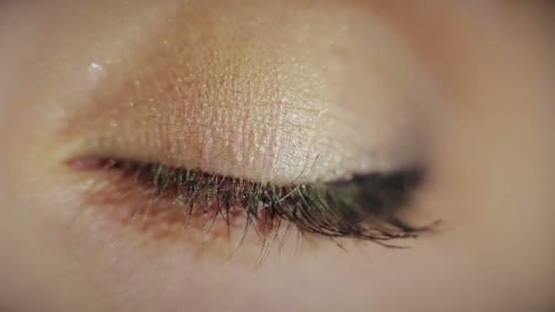 schöne Frauen Auge Makro