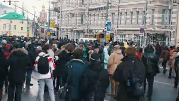People walking in street. Meeting in memory of Nemtsov 27.02.2016 Timelapse