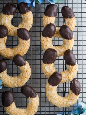 Almond crescent cookies with chocolate