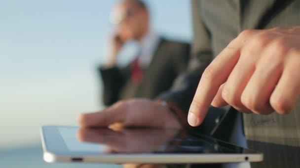Üzletemberek, digitális tabletta