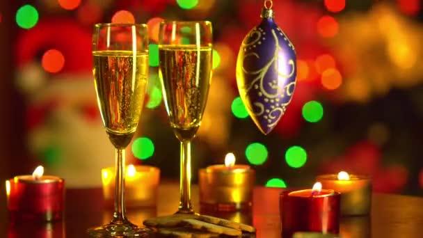Neujahrsfeier. Christmas.Two Champagner-Gläser