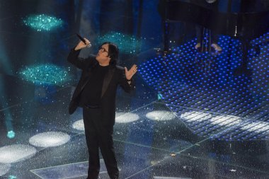 Renato Zero, stage name of Renato Fiacchini (Rome, 30 September 1950), is a songwriter, entertainer, dancer and record producer Italian