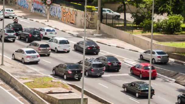 Provoz v centru Sao Paulo