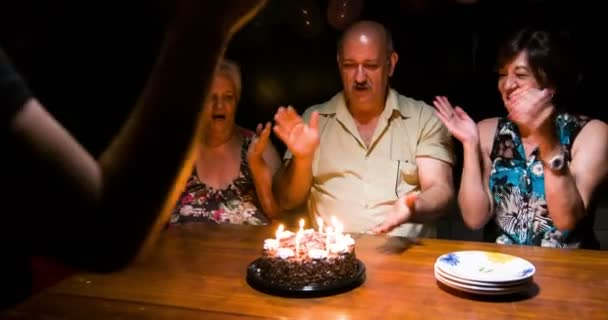 családi énekelni boldog születésnapot