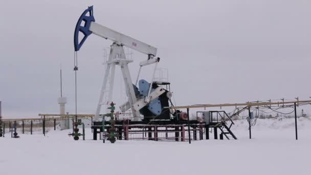 ropný a plynárenský průmysl. práce olejové čerpadlo Jack na ropné pole