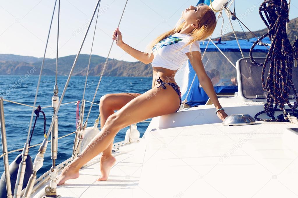 секс реальный на яхте с блондинкой случае