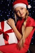 Fényképek Karácsonyi ajándék a kislány