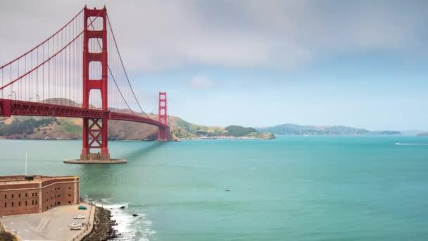 zlatý most brány