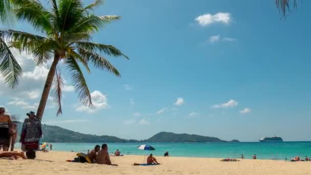 slavný patong beach