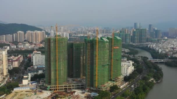 Légi panoráma építési telek Sanya város öbölben, Hainan sziget, Kína, 4k