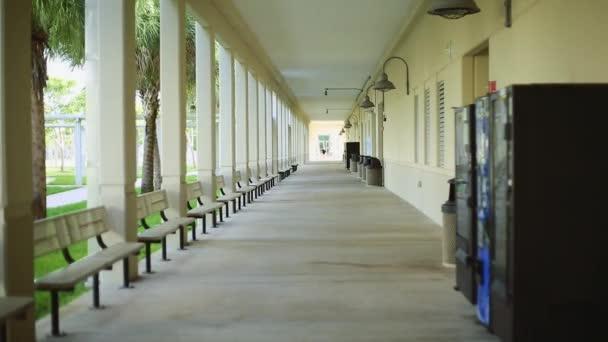 Hausflur an einer Schule