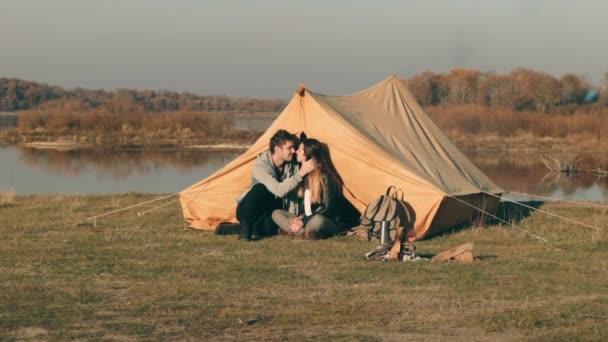 Видео парней на природе фото 533-799