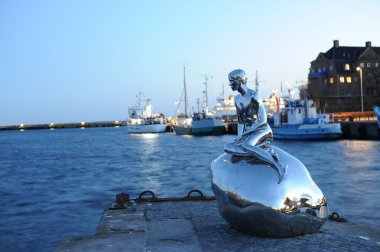 The Little Merman statue
