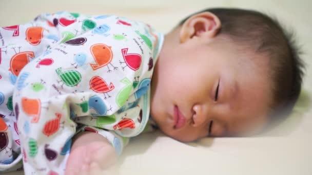 Baby, probuzení pláč