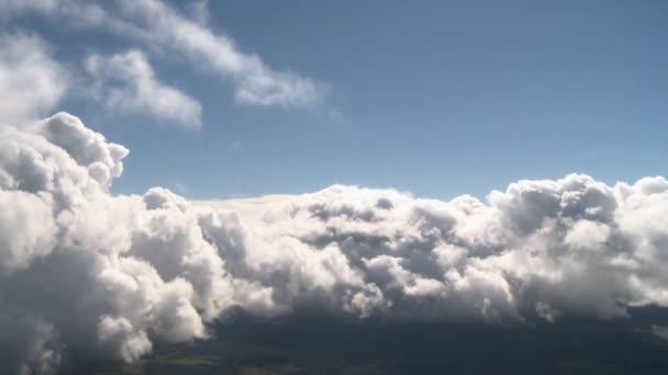 Pohled z mraků a oblohy