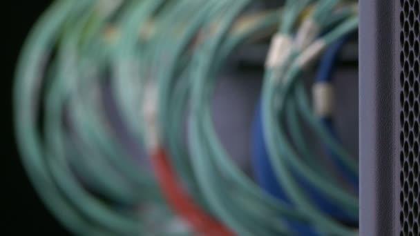 Detail kabelů pro přenos dat