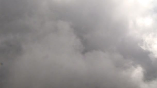 Closeup šedé mraky