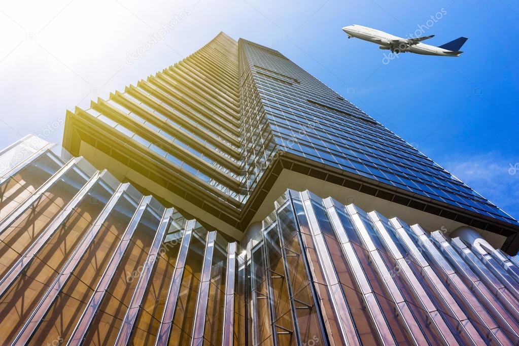 Ufficio Per Esterni : Per guardare l ufficio moderno edificio esterno e cielo u foto