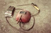 Fotografie Elektrické svářecí stroje, elektrické dráty, masky, rukavice a kleště, jsou velmi staré