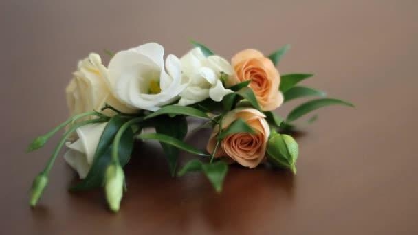boutonniere pro ženicha