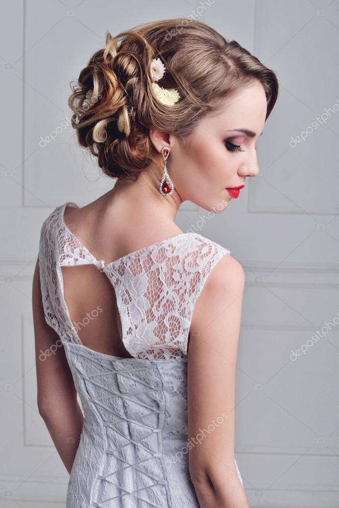 Schöne Braut Porträt Hochzeit Make Up Und Frisur Mit Diamant Krone