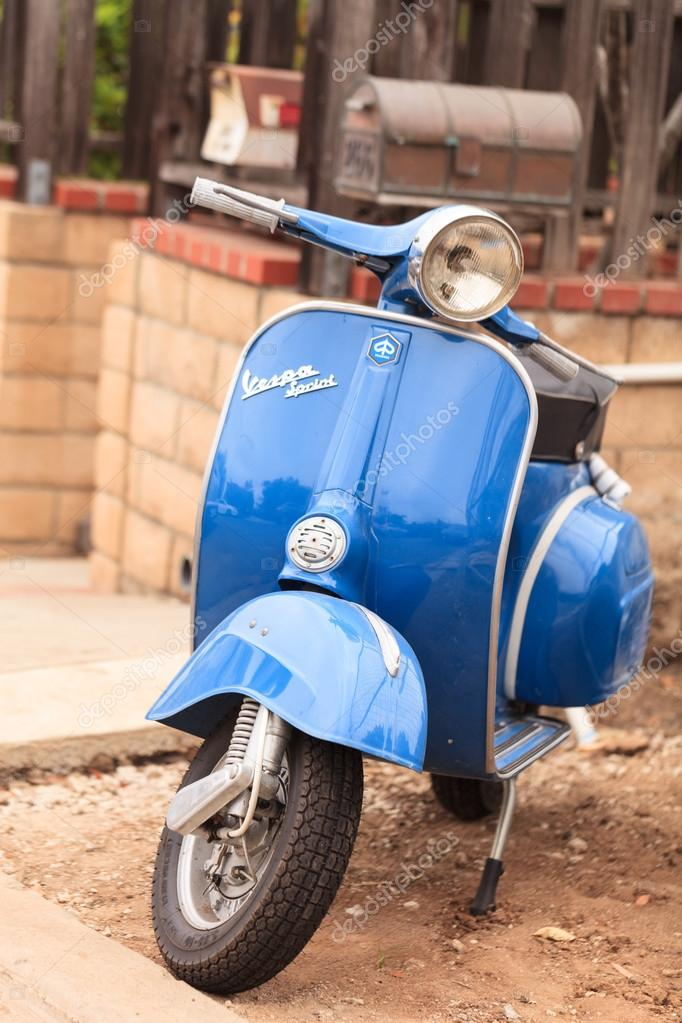 Blue retro Vespa moped – Stock Editorial Photo © stephstarr9363