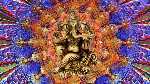 Zlatý lord Ganesha v mandala pro meditaci