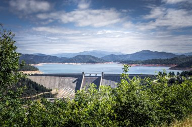Shasta Dam, the Solution To The Flood