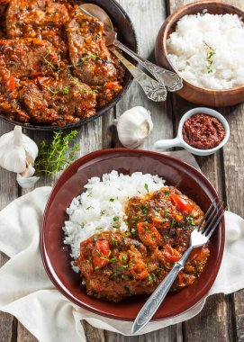 Beef in a spicy tomato sauce