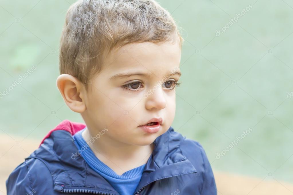 a87edcf94048 Happy blonde toddler boy — Stock Photo © coscaron  92624404