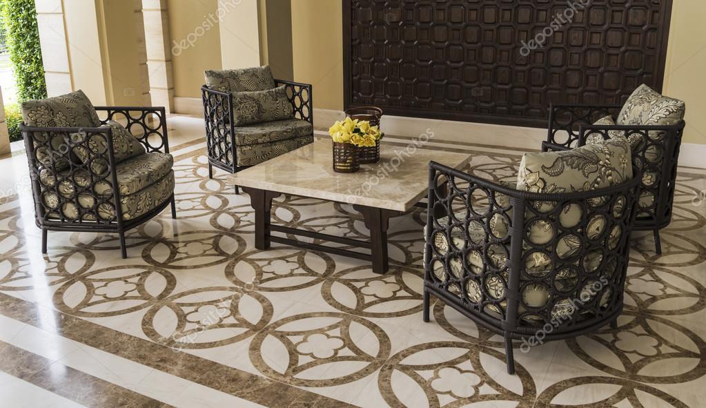 Set di mobili in rattan adatto per interni e balcone for Mobili per interni