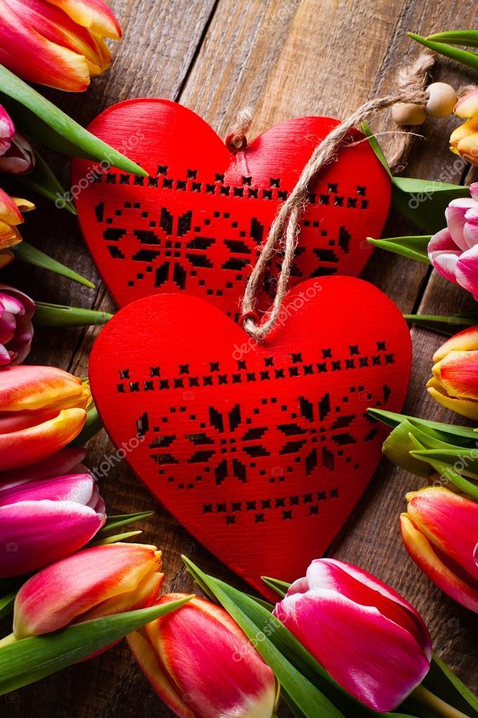 Bouquet De Fleurs De Tulipes Avec Coeur D Amour Photographie Cegli