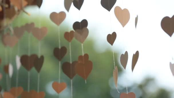 Zlatá kniha srdce vane lehký vánek