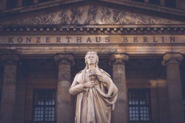 Berlin Statue, Gendarmenmarkt
