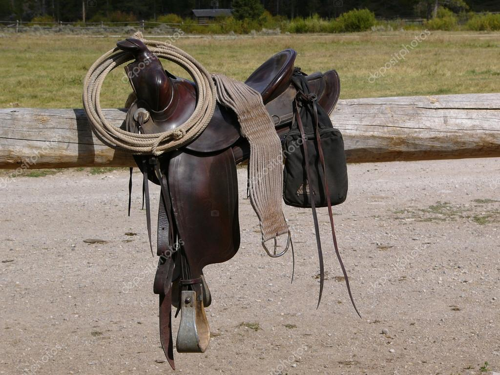 Pictures : western saddles | Western Saddle and Rope — Stock