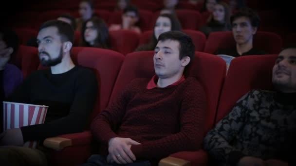 Ember esik aspeep mozi
