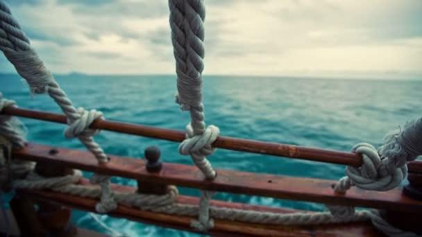 Nézd a kalóz hajó a tengeren