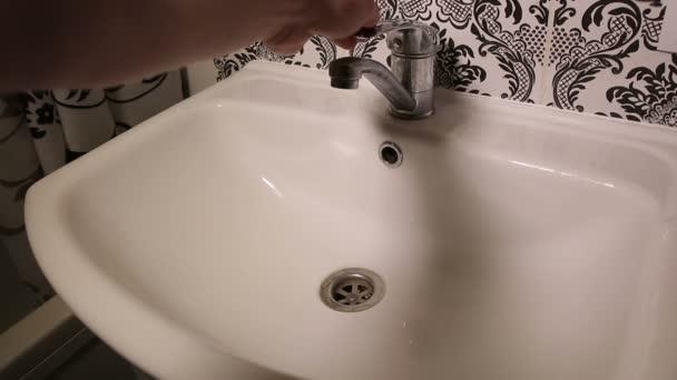 Засоряется ванная комната смеситель в душевую кабину своими руками