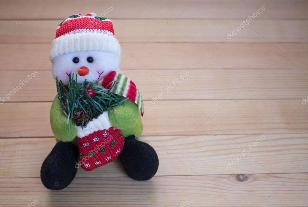 Plush toy in the form of a snowman