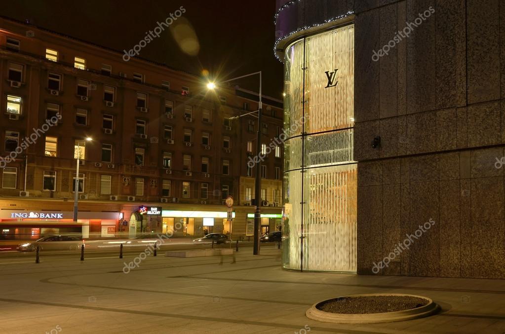 e7be6c5d6e60 Варшава, Польша - 3 Дек: Магазин Louis Vuitton на 3 декабря 2015 г ...