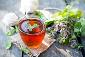 Fekete tea, menta