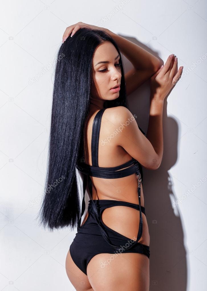 Голая сексуальная девушка модель