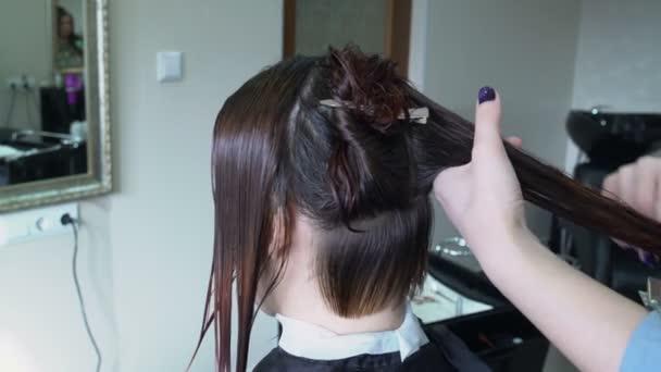 Kadeřník česání vlasů pramen