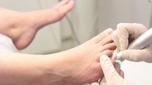 Pedikúra, odstranění kůžičky, péče o nohy